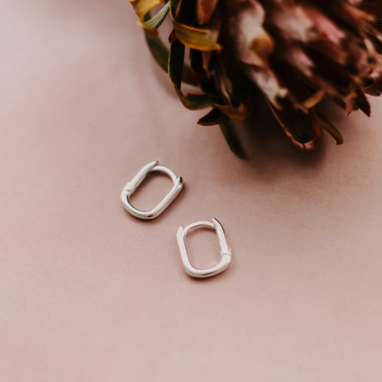 square huggy hoops - Silver